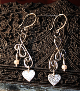 Simply stylish pearl and silver earrings